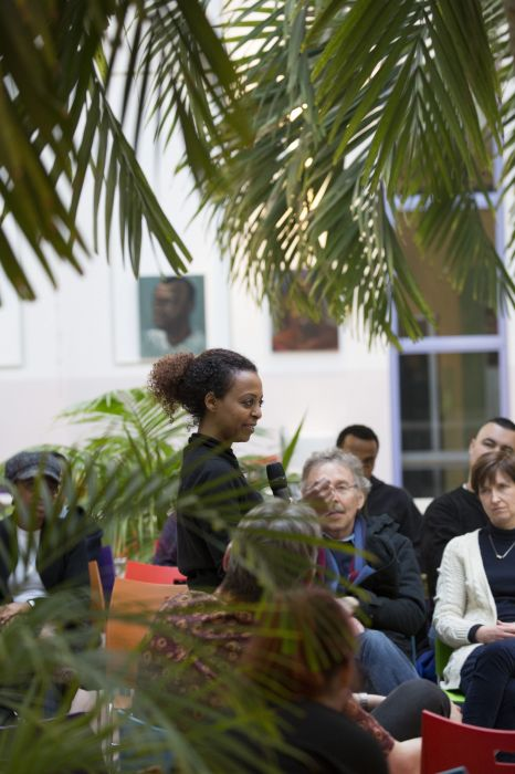 Maaza Mengiste tijdens het programma World Stories in het Writers Unlimited Winternachten festival op zaterdag 17 januari 2015 in de aula van het Institute of Social Studies in Den Haag.  tudies in Den Haag.   - foto Serge Ligtenberg