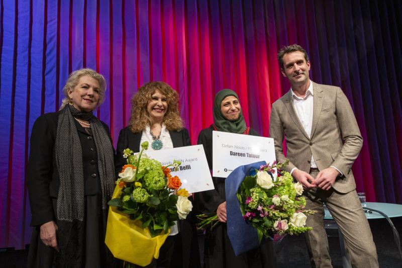 From left: writer Jennifer Clement (Chair of PEN International), Nicaraguan writer Gioconda Belli, Palestinian poet Dareen Tatour - both honoured with the Oxfam Novib PEN Awards, and Oxfam Novib Director Michiel Servaes - foto Serge Ligtenberg